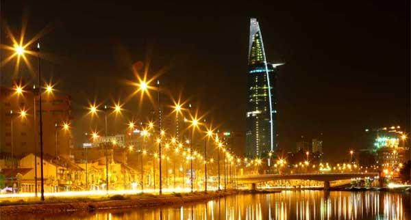 Lắp đặt đèn cao áp chiếu sáng đường phố cho khu đô thị