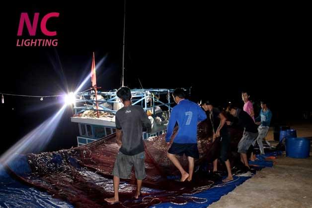 Đèn tàu đánh bắt cá