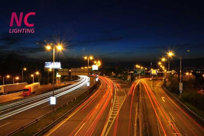 Lắp bộ đèn cao áp chiếu sáng đường phố công suất 250W