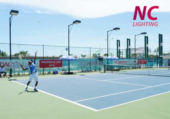NC LIGHTING lắp đặt trụ đèn bát giác NC - 12 cho sân bóng Tennis
