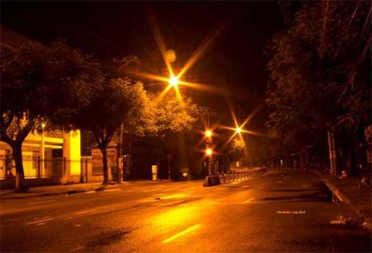 Đèn cao áp sử dụng ánh sáng vàng giảm thiểu tai nạn