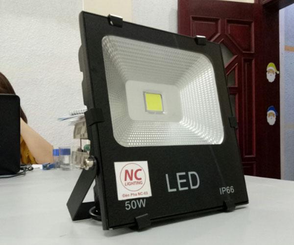 Hướng dẫn lắp đặt đèn pha led chiếu sáng