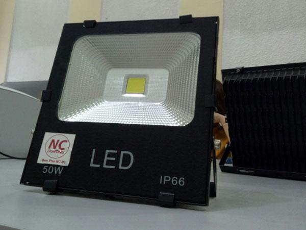 Địa chỉ mua đèn pha led  giá rẻ ở Vĩnh Phúc